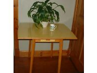 YELLOW FORMICA DROP LEAF KITCHEN TABLE RETRO 50s 60s 70s VINTAGE KITSCH £75