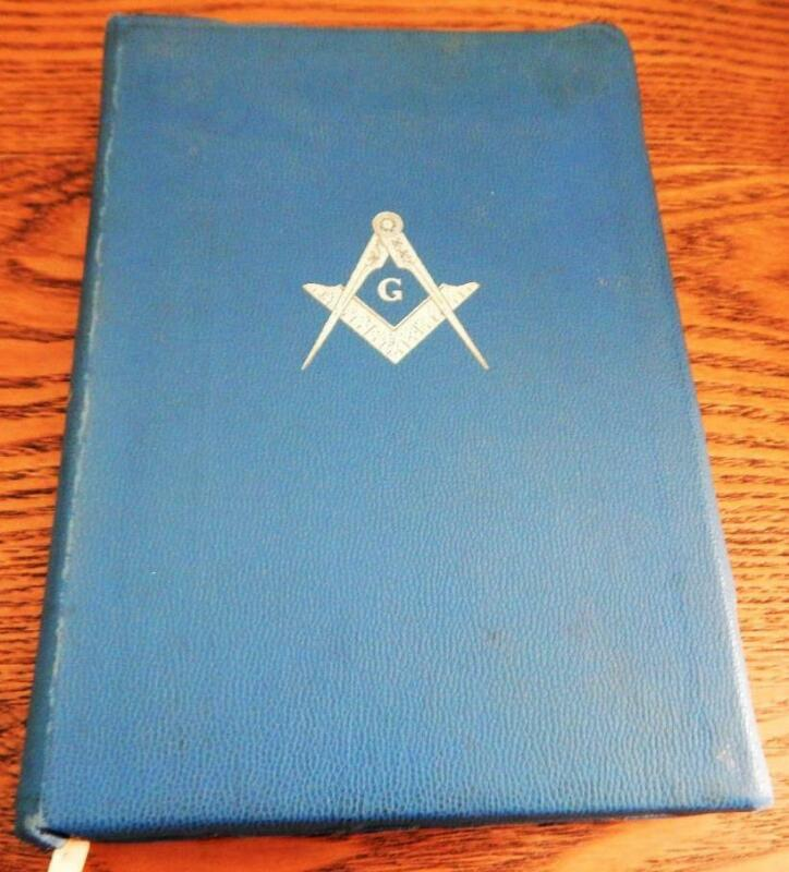 HOLY BIBLE Masonic Holman 1968 Temple Illustrated Edition Masonic Bible