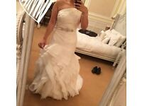 Vera Wang Ivory Wedding Dress - Princess for a day!