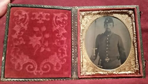 CIVIL WAR TINTYPE SOLDIER ARMED I.D. CLAWSON, MANIT0WOC, WISCONSIN