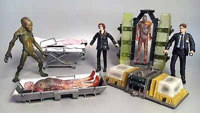 1998 X-FILES FIGHT THE FUTURE Figures Scully, Mulder, Alien, More! McFarlane Toy