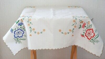 BUNDLE Floral Embroidered Tablecloth with 4 Check and 6 Cream Linen Napkins ASSO