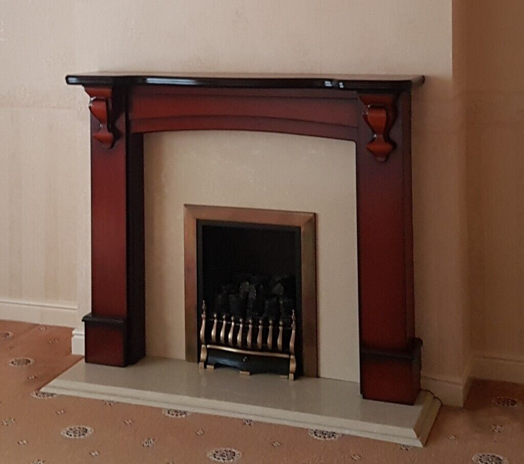 Gas Fire And Mahogony Surround With Marble Back And Hearth In Hull