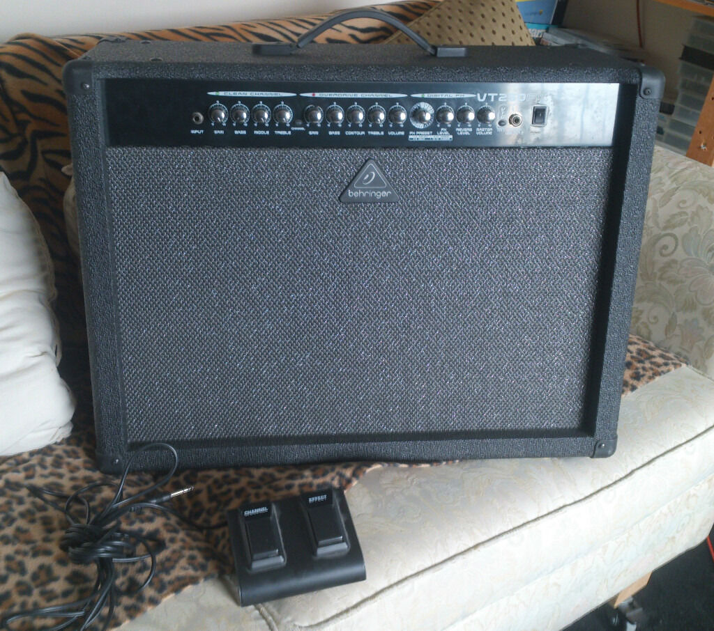 behringer vt250fx 100w guitar amplifier foot pedal in whitley bay tyne and wear gumtree. Black Bedroom Furniture Sets. Home Design Ideas