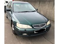 Honda Accord (2000, W reg) for spares and repairs.
