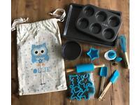 Smilekidz Ollie Owl ~ DELUXE 20 Piece Kid's Baking Set ~