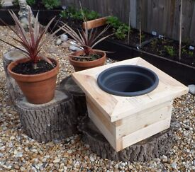 Planter with Plastic pot liner. (Hythe)
