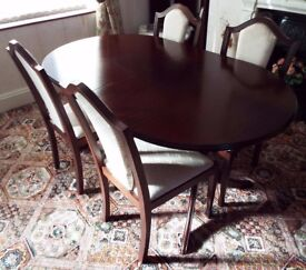 Beautiful Mahogany Dining Room Table and Chairs