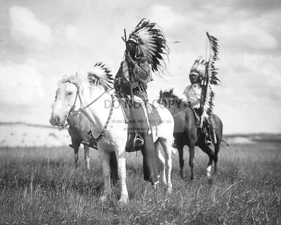 SIOUX CHIEFS ON HORSEBACK CIRCA 1905 EDWARD S. CURTIS - 8X10 PHOTO (AB-618)