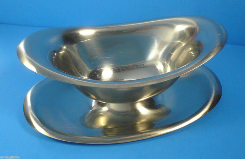 Reed & Barton 18/8 Stainless Steel Gravy Boat with Attached Underplate