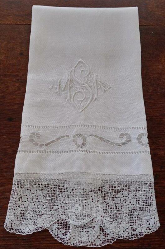 Antique Irish Linen Show Guest Towel Filet Lace Embroidered Monogram S