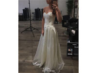 Stunning Gold and Ivory formal prom corset dress size 6/8