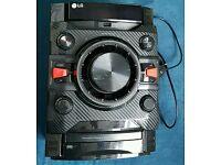LG CM4360 230W Hi-Fi with Bluetooth CD Radio Sept 2016 Model(no speakers)