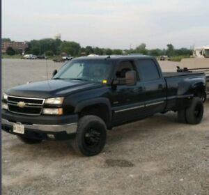 ISO: 2001-2006 Chevy/GMC 3500 box