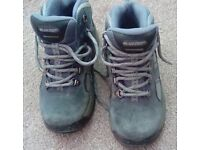 Hitec walking boots size 1