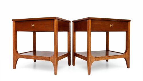 Pair of Broyhill Premier Brasilia Sculpted Walnut Nightstands End Tables 60