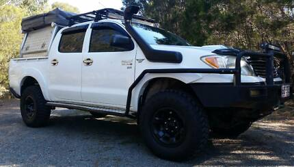 06 3Ltr Diesel Hilux tourer set up ready to go - Heaps of extras Alexandra Hills Redland Area Preview