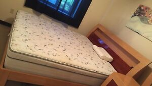 King size bed 200$