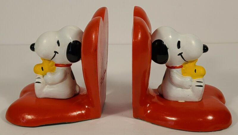 Vintage 1972 Peanuts Snoopy & Woodstock Heart Love Bookends Set of 2