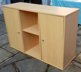 sideboard. 3 adjustable inner shelves. in excellent & clean condition.