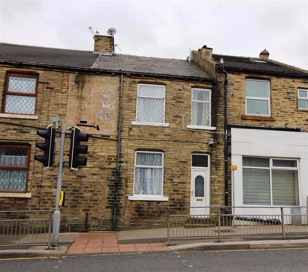 A Fantastic 2 bed back to back in a great location , unfurnished. £395 pcm