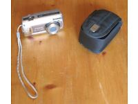 Canon PowerShot A470, 7.1 Megapixels Camera + case