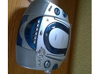 Goodmans portable cassette/cd player - mains and battery