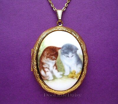 Darling Porcelain 2 KITTENS (CATS) CAMEO Costume Jewelry Locket Pendant Necklace ()