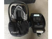 Maxi Cosi car seat and cabriofix base