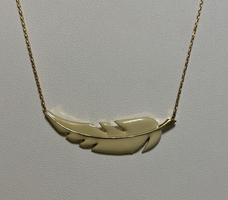 "Vintage Crown Trifari Gold Tone Cream Enamel Leaf Necklace 16"""