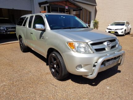 2005 Toyota Hilux SR5 X Cab (4x2) 4.0L V6 Ute - AUTOMATIC Lambton Newcastle Area Preview