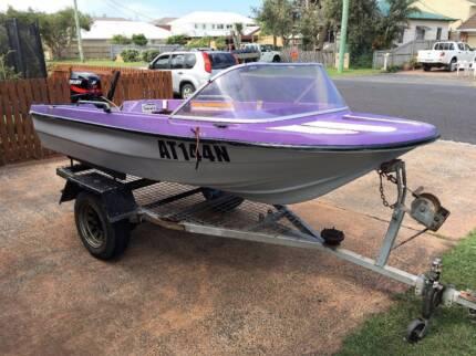 Monark 3.6m Fibreglass Boat with 25 hp Mercury (2005)