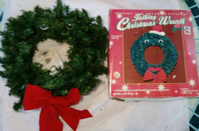 """Vintage Talking Christmas Wreath Animated Lights Sings 16"""" Motion Sound Activate"""