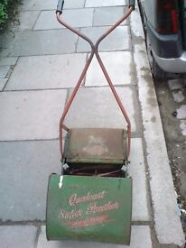 """VINTAGE 12"""" QUALCAST SUPER PANTHER BALL BEARING PUSH LAWNMOWER."""