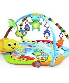 Aquarium play gym