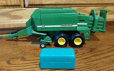 John Deere Toy Large Square Bailer 100 Licensed Product