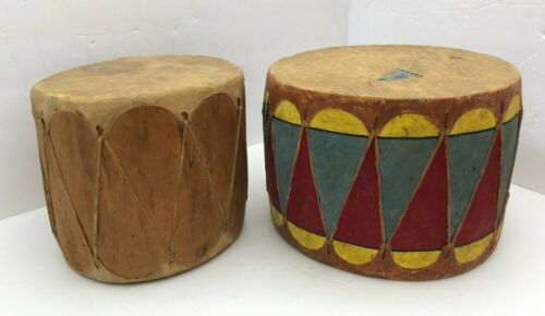 2 BEAUTIFUL ANTIQUE NATIVE AMERICAN INDIAN DRUMS