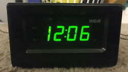 RCA Digital Alarm Clock rc130i-b With Radio and 30 pin iPod/iPhone dock
