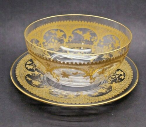 ANTIQUE MOSER BOHEMIAN GOLD ENCRUSTED CRYSTAL ART GLASS FINGER BOWL, UNDER PLATE