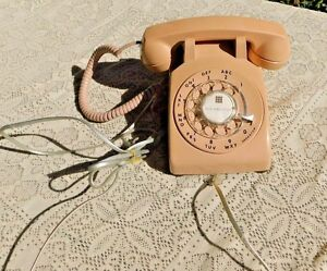 VINTAGE-1990-BEIGE-DESK-PHONE-ROTARY-DIAL-TELEPHONE-W-WALL-CORD-UNITED-TELEPHONE