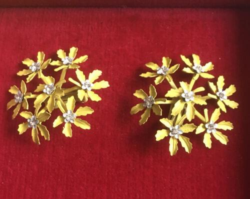 Vintage Jewelry Clip On Earrings Yellow Flowers Enamel Rhinestones Large 1950s - $9.00