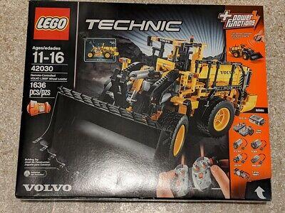 LEGO Technic VOLVO L350F WHEEL LOADER 42030 Remote Controlled Sealed NIB Retired