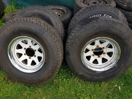 "15"" 6 stud 4x4 wheels and tyres 31x10.5R15"