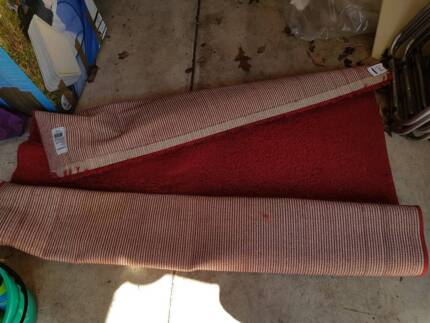 Red rug / carpet
