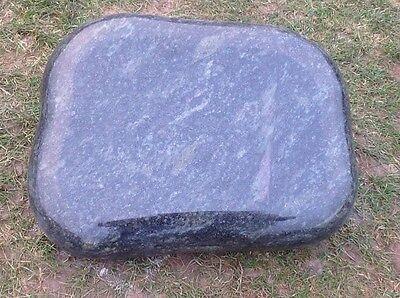 Grabstein, Liegestein, aus Granit Preis ist mit  ihrer  Inschrift und Ornament