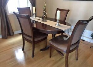 Solid Wood Classic Dining room Table and Four Chairs