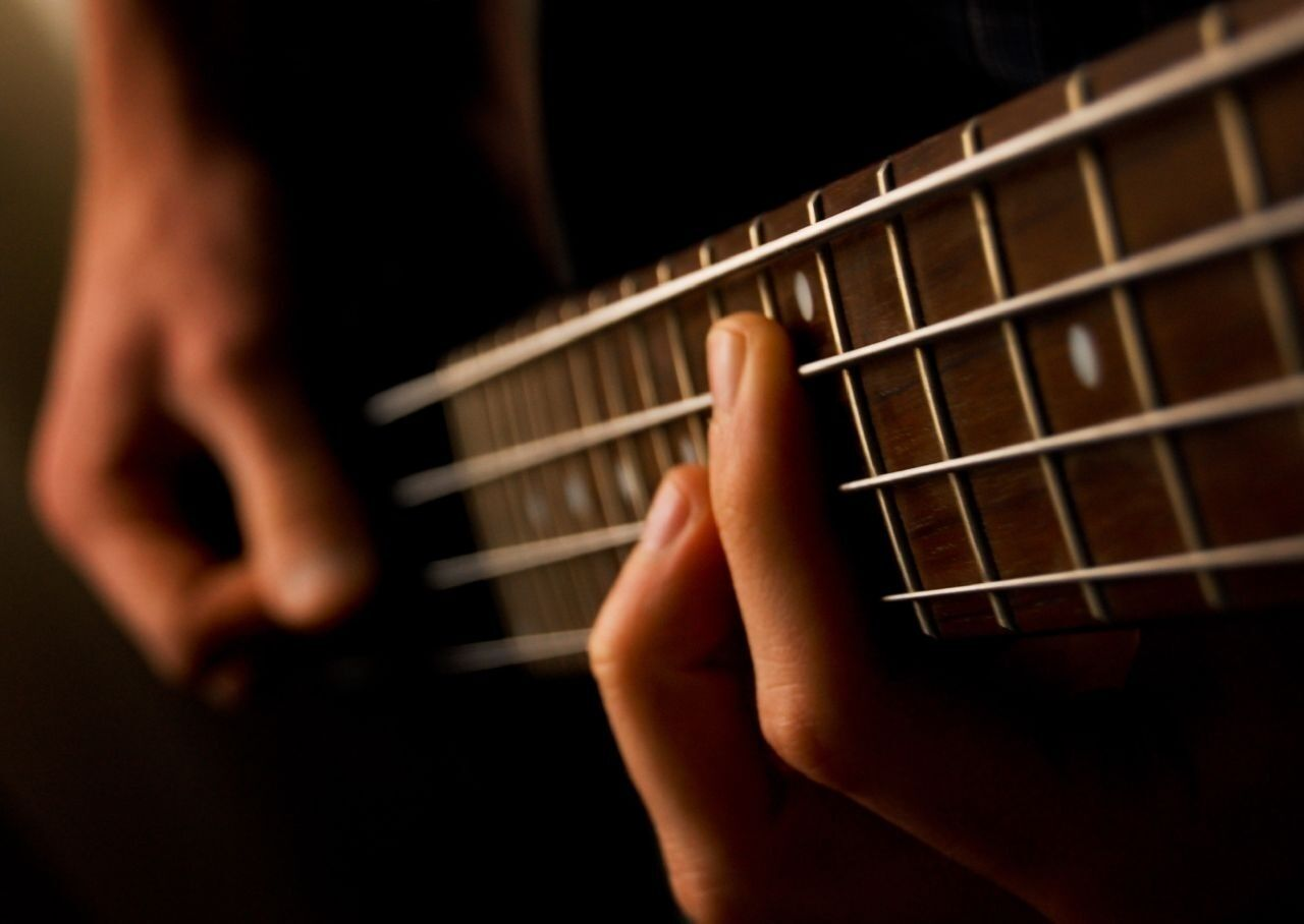 Over 30 Books on How To Play the Bass Guitar Player Learn Gu