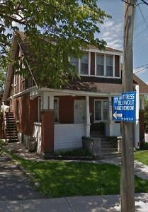 7 Lancaster St-One Bedroom on Main Floor Close DownTown!