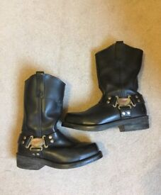 Leather motorcycle boots - size 8