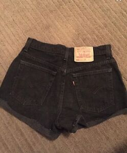 High-waisted Levi Shorts from Aritzia